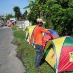 PENJUAL TENDA PINGGIRAN JALAN Dari Bandung ke Pekanbaru Bermodal Kenekatan dan Keoptimisme